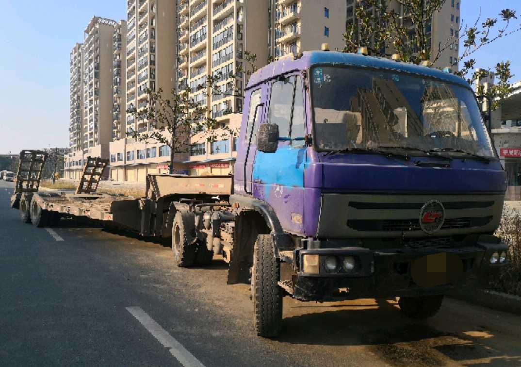 东风其他车系 牵引车  240匹 2012年04月 4x2