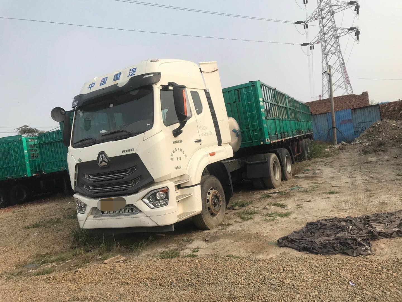 中国重汽HOKA 牵引车  420匹 2015年01月 6x4