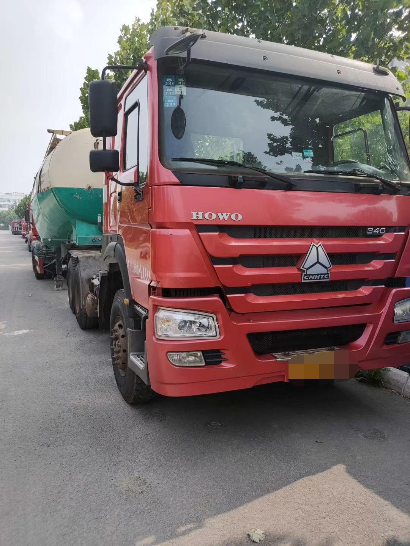 中国重汽HOWO 牵引车  400匹 2015年10月 6x2