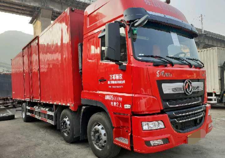 东风天龙 载货车  270匹 2020年09月 6x2