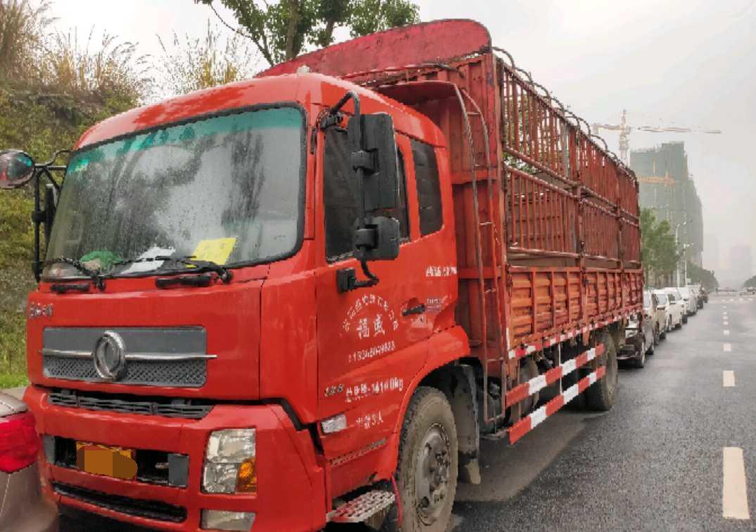 东风天锦 载货车  180匹 2016年12月 4x2