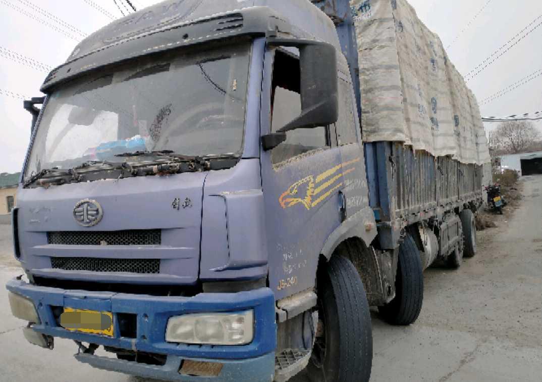 一汽解放J6M重卡 载货车  240匹 2012年03月 6x4