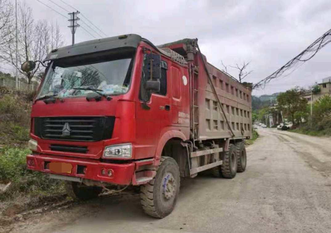 中国重汽HOWO 自卸车  336匹 2013年05月 4x2