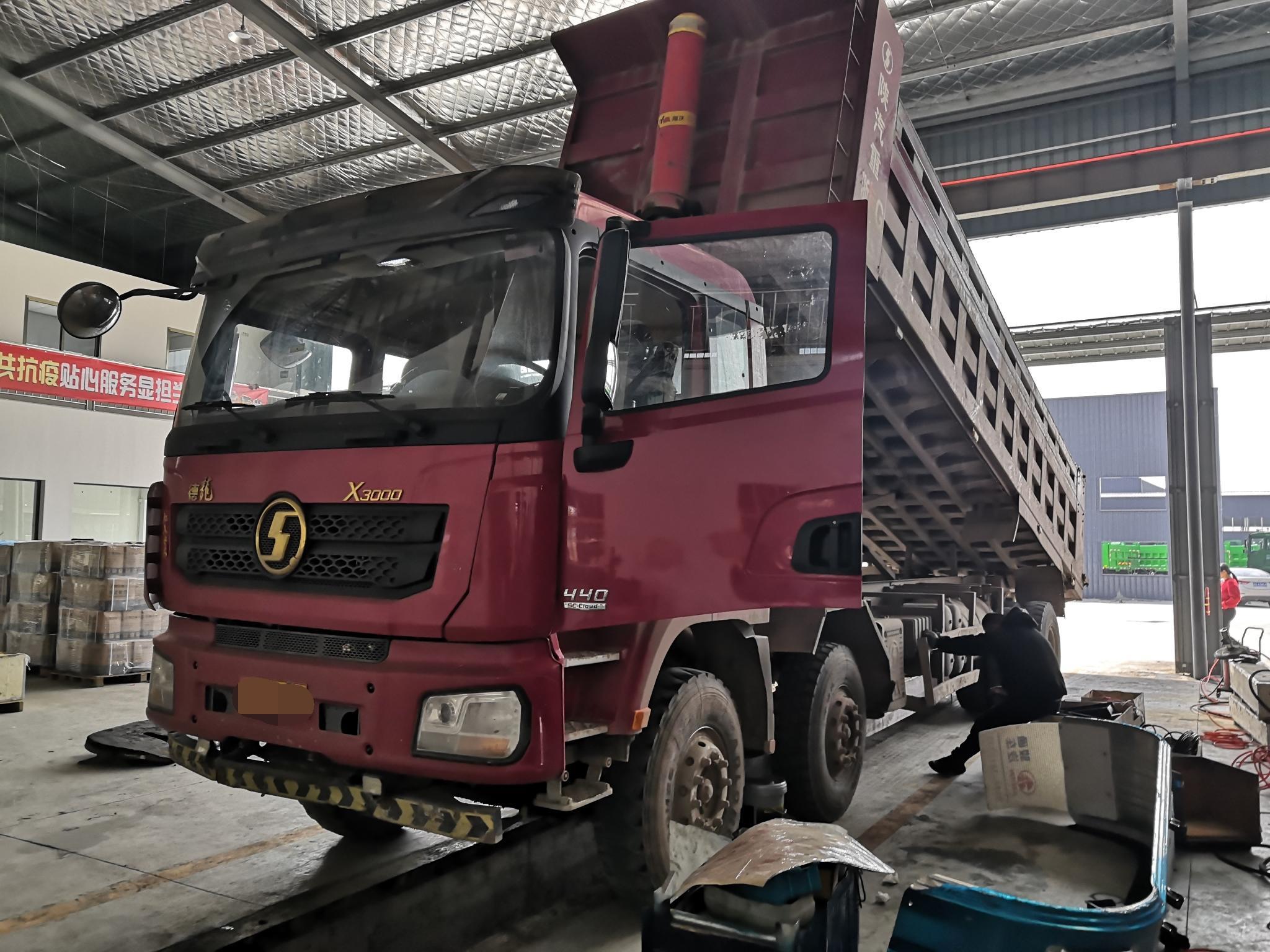 陕汽德龙X3000 自卸车  440匹 2019年04月 8x4