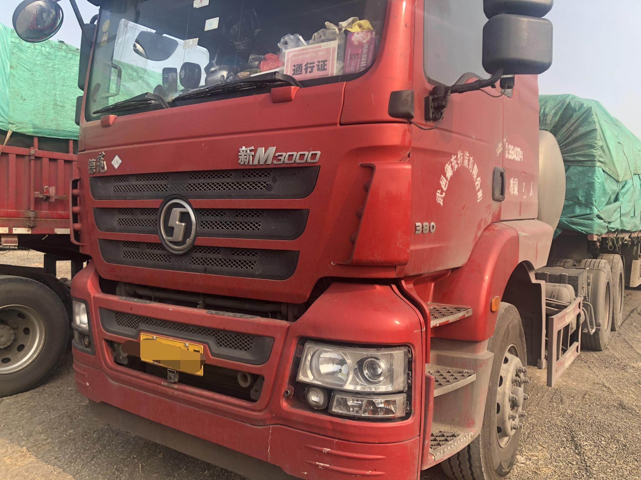陕汽德龙新M3000 牵引车  430匹 2017年08月 6x4