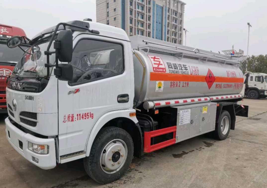 东风145系列 油罐车  150匹 2021年03月 4x2