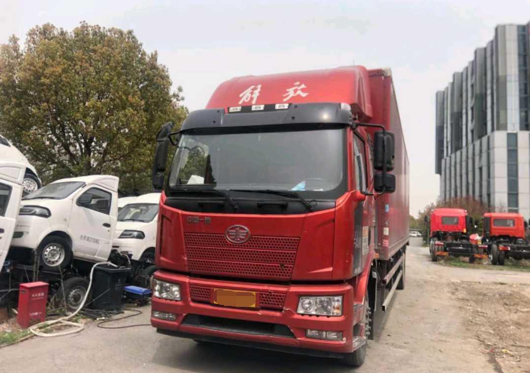 一汽解放J6L中卡 标载型 载货车  185匹 2021年11月 4x2