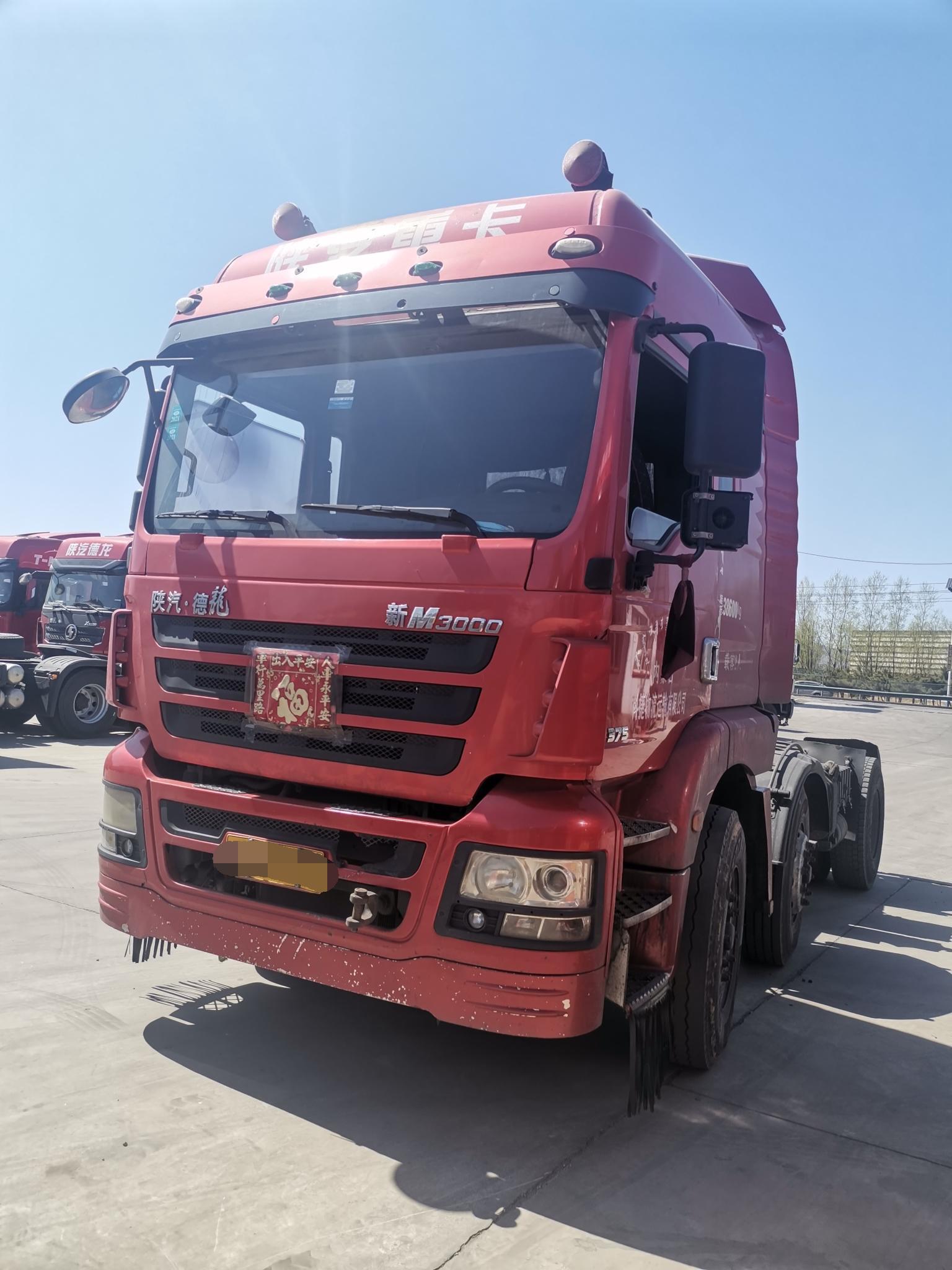 陕汽德龙新M3000 牵引车  375匹 2016年06月 6x2