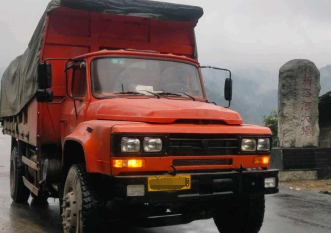 东风龙卡开山王 自卸车  240匹 2012年03月 4x2