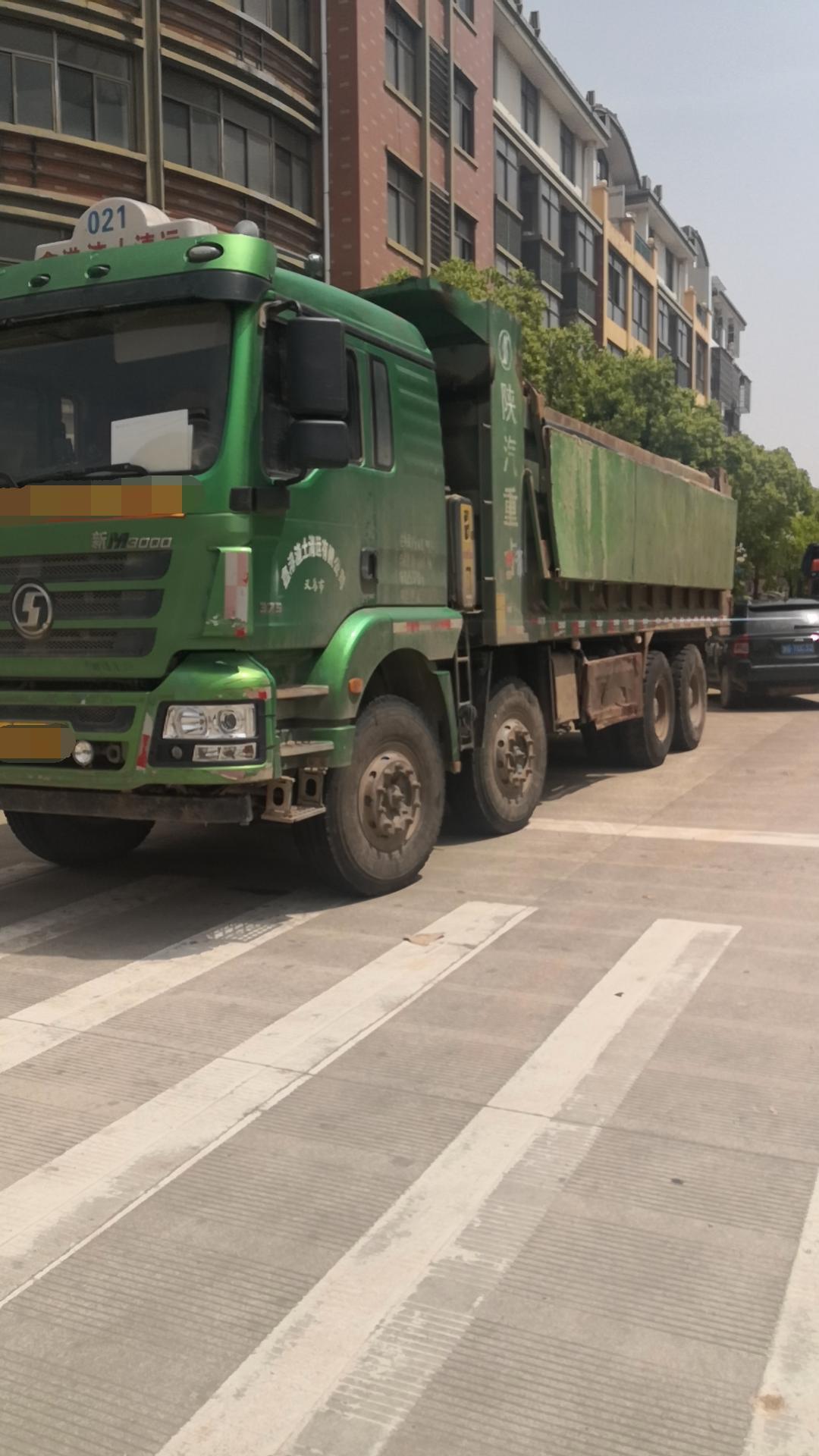 陕汽德龙新M3000 自卸车  375匹 2017年12月 8x4
