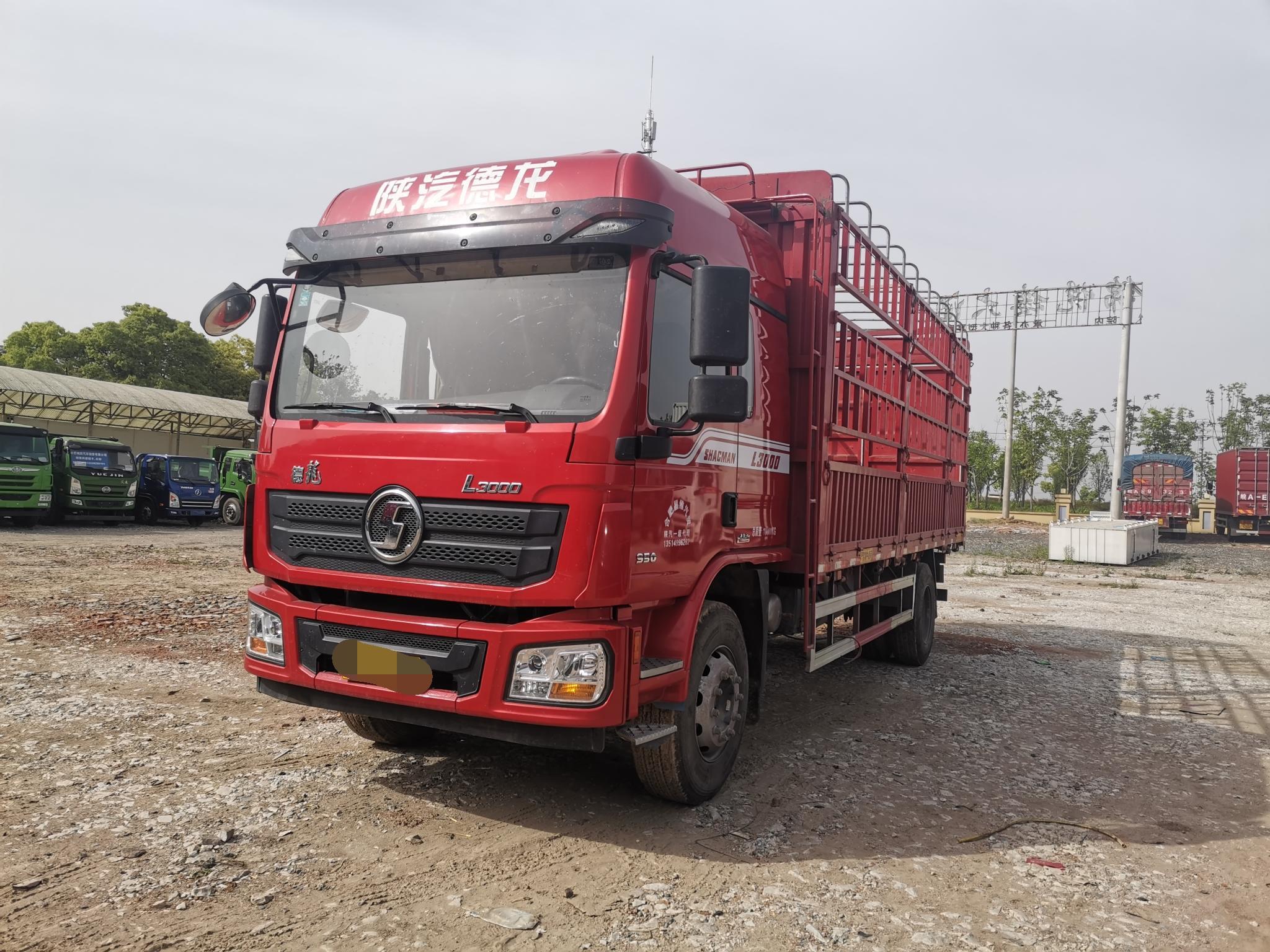 陕汽德龙L3000 载货车  200匹 2020年05月 4x2