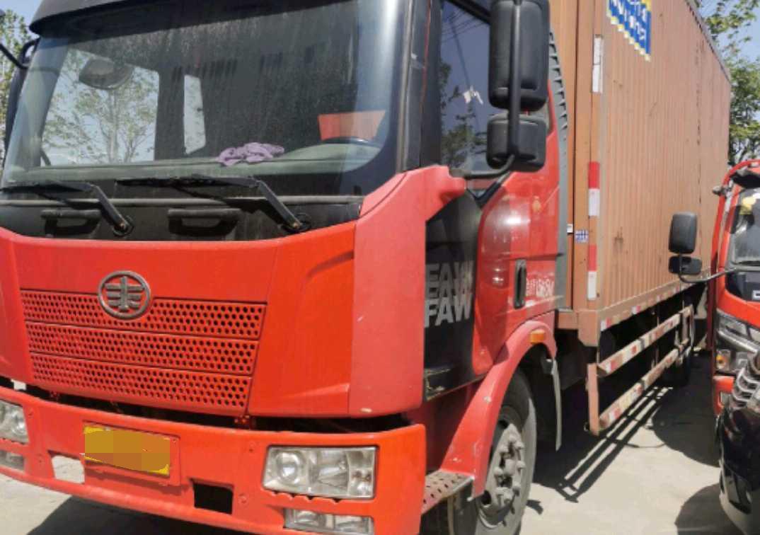一汽解放J6M重卡 高效型 载货车  350匹 2014年04月 6x4